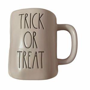 NEW Rae Dunn Trick or Treat Mug